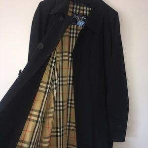 Burberry Trench Coat with removable interior
